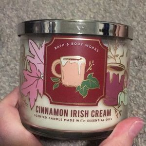 Bath and body works cinnamon Irish creme candle